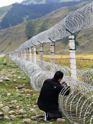 Barbed Wire Mesh For Security